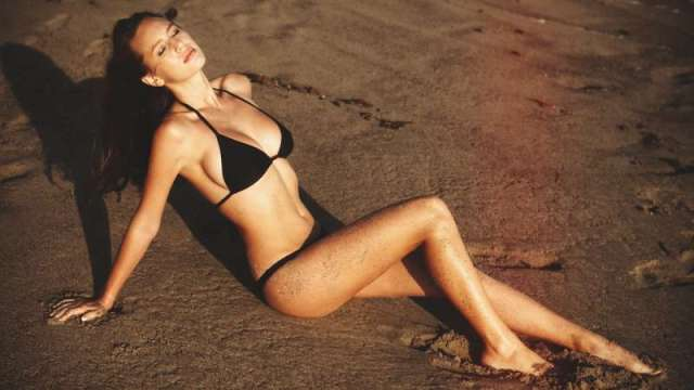 Dylan Penn Sexiest Pictures (40 Photos)