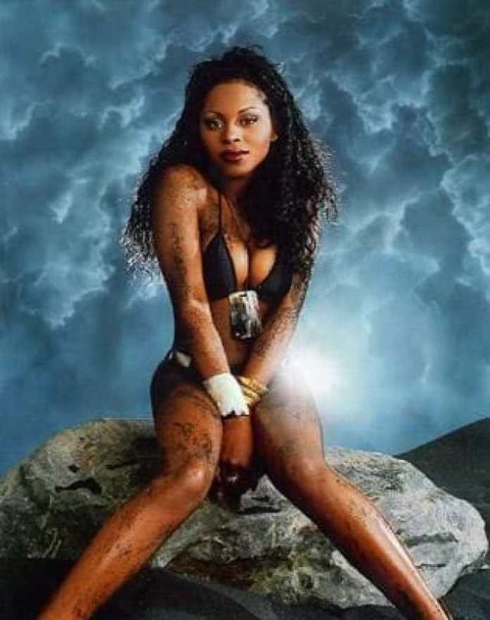 Foxy Brown Sexiest Pictures (40 Photos)