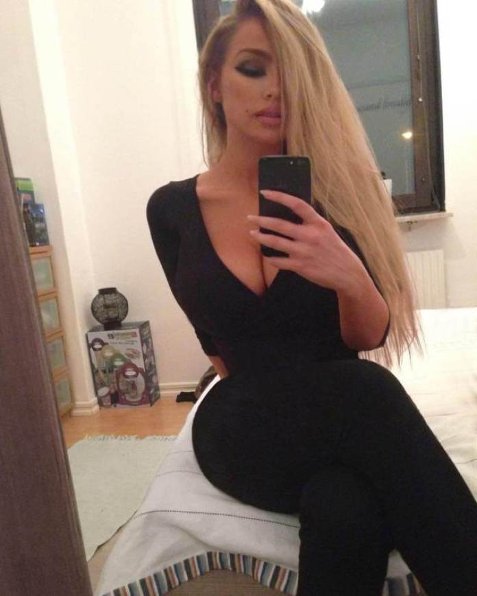 Ines Helene Hottest Pictures (39 Photos)