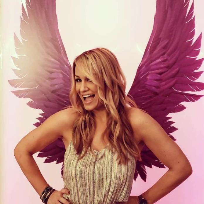Jenn Brown Hottest Pictures (40 Photos)