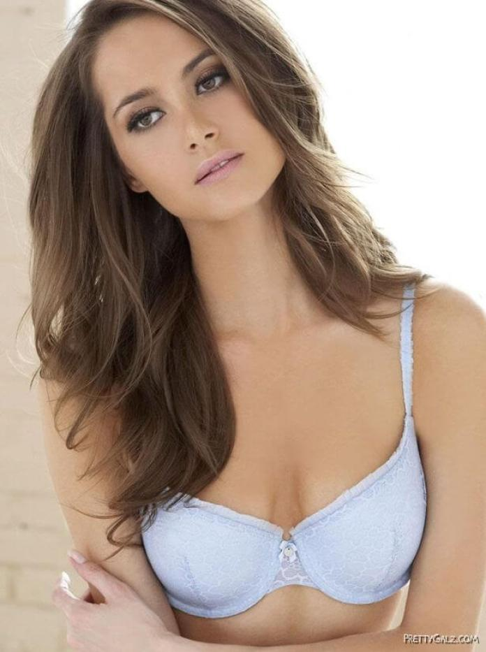 Maria Lyth Hottest Pictures (16 Photos)
