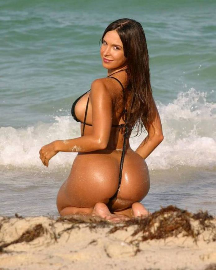 Mayra Veronica Sexiest Pictures (40 Photos)