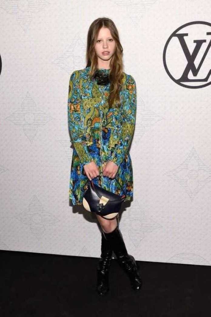 Mia Goth Hottest Pictures (39 Photos)
