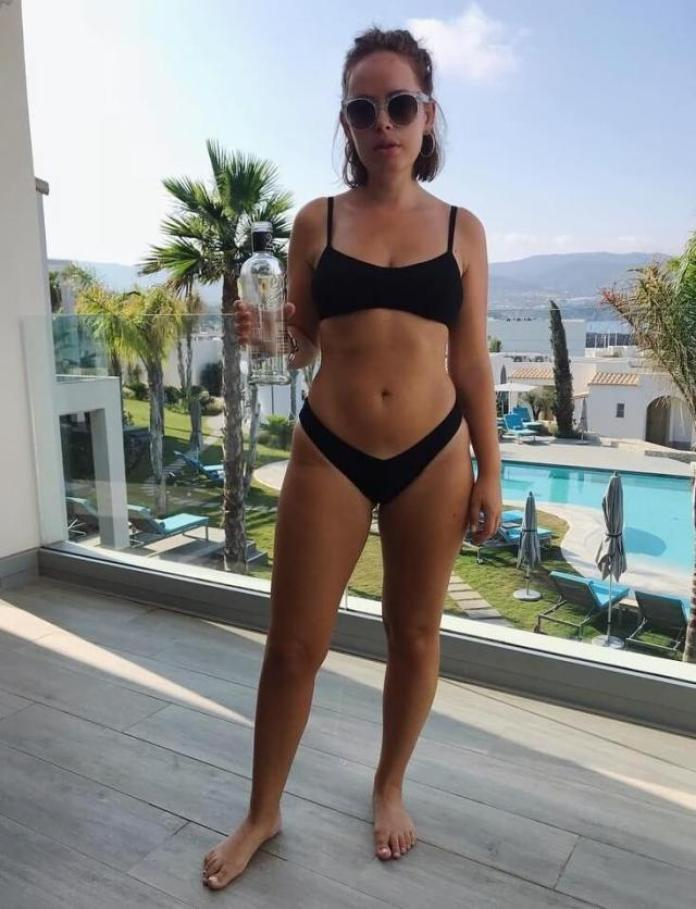 Tanya Burr Hottest Pictures (40 Photos)