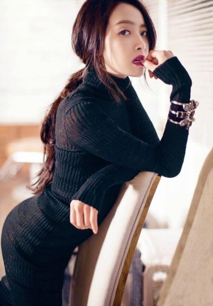 Victoria Song Sexiest Pictures (39 Photos)
