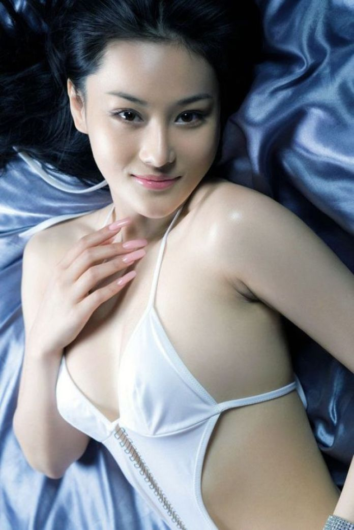 Zhang Xinyu Sexiest Pictures (40 Photos)