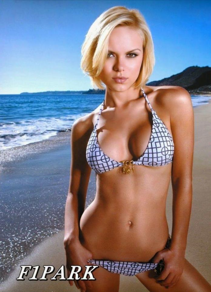 Anya Monzikova Hottest Pictures (40 Photos)