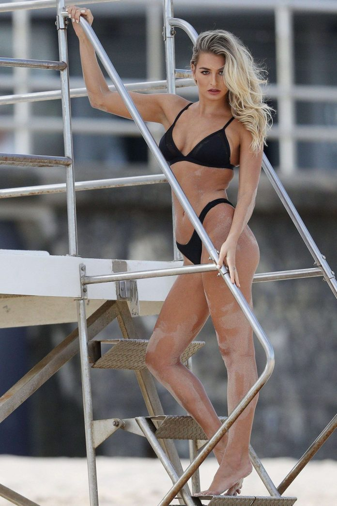 Madi Edwards Hottest Pictures (39 Photos)