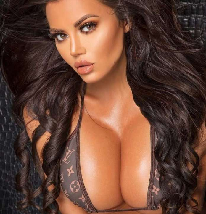 Toochi Kash Sexiest Pictures (39 Photos)