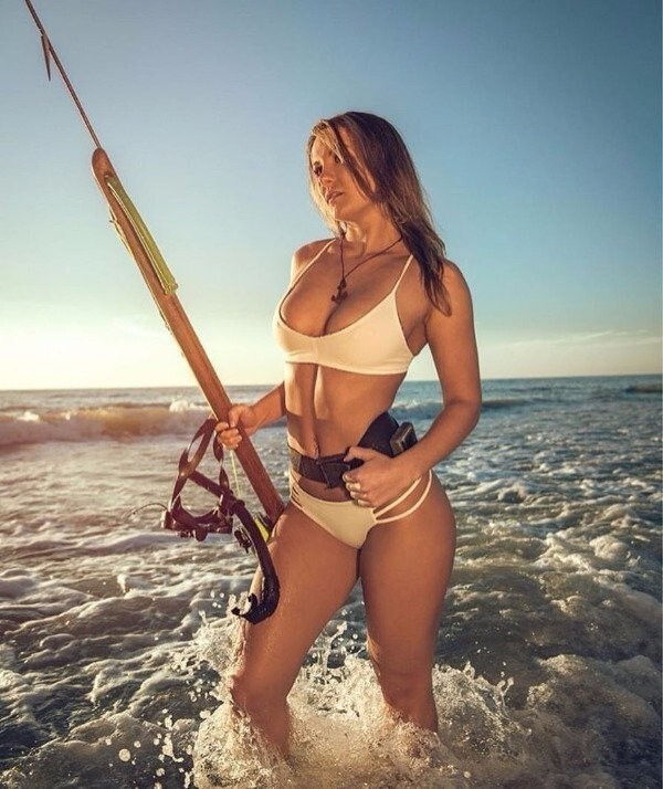 These Cute Girls Like To Fish (28 Photos)